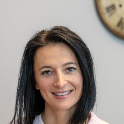 Marta  Curry