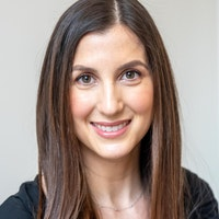 Julia  Taub