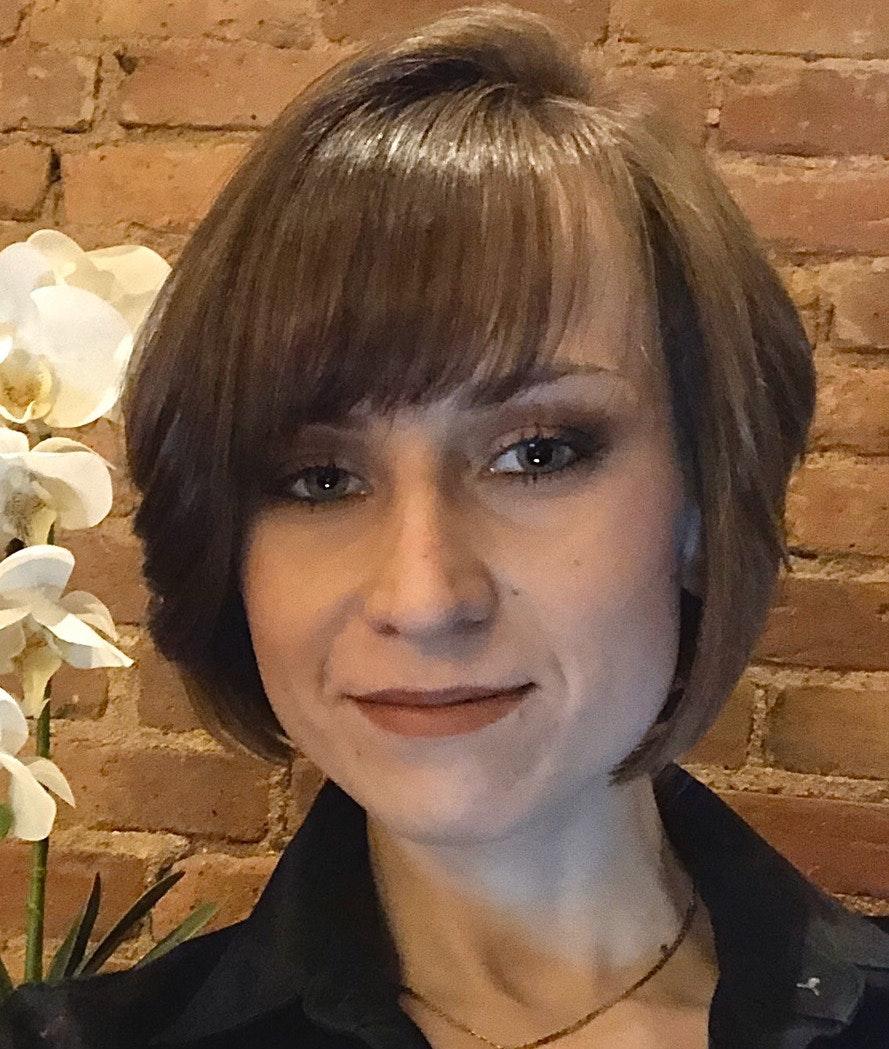 Anya  Lukianov